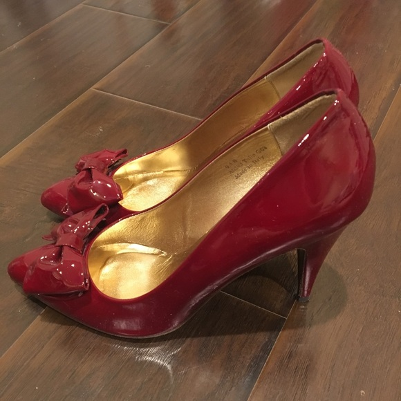 2268f15547c Authentic Coach Deep Red Heels with Bows